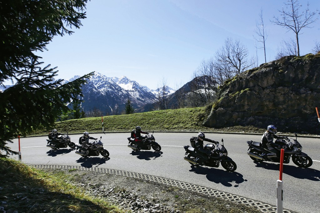 Motogalerija Test sport touring guma