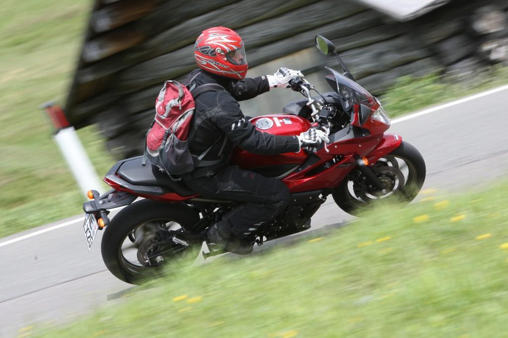 Motogalerija Yamaha XJ6 - Test izdr¾ljivosti 50.000 km